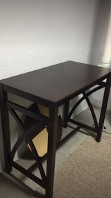 Hi Top Table and Stools in Aurora, Illinois