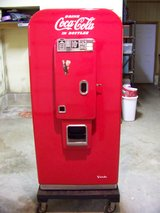 Antique Coca Cola Coke Vendo 80 1950's Machine 10 cent in Cherry Point, North Carolina