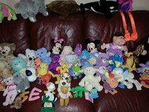 STUFFED ANIMALS 75 TO 80 OF THEM, SOME NEW. in Camp Pendleton, California