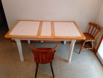 Kitchen table with 2 chairs in Kansas City, Missouri