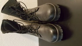 Bates Safety Black boots size 9 men/like new in San Ysidro, California