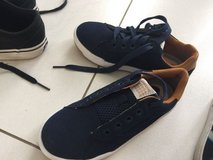 Boys shoes, a few new size 33 in Ramstein, Germany