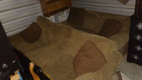 Living Room Set w/Pull Out Mattress in Fort Campbell, Kentucky