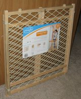 Evenflo 26-42 Inches Wide Expandable Pet Baby Gate Child Safety position & lock in Bartlett, Illinois