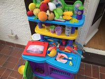 Play kitchen in bookoo, US