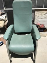 Lumex vinyl chair recliner large in Yucca Valley, California
