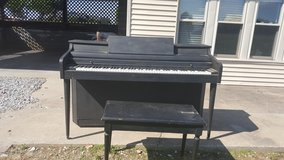 Free Piano in Fort Campbell, Kentucky
