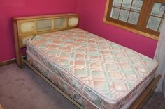 BroyHill Furniture Complete Full Size Bed + Mattress Durable Metal Frame   T in Bartlett, Illinois