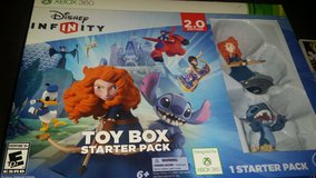 Xbox 360 Disney Infinity 2.0 edition starter kit in Fort Campbell, Kentucky
