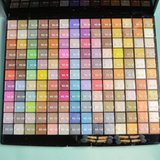 154 Eye Shadow Palette in Camp Lejeune, North Carolina
