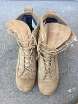 Army tan boots, cold weather gortex, size 9,5 R in Fort Campbell, Kentucky