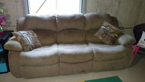 Couch and loveseat set in Joliet, Illinois