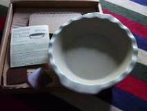 """NIB Pampered Chef 9"""" Deep Dish Pie Plate New Traditions Stoneware Scalloped 1305 in Westmont, Illinois"""