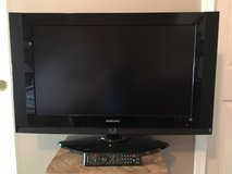 Samsung 32in LCD TV and Sony DVD player in Aurora, Illinois