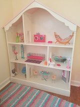 Wooden doll house in bookoo, US