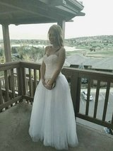White sweetheart wedding/prom dress size 6/8 in Fort Carson, Colorado