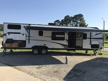 2013 BUNKHOUSE ULTRA LITE RV W/OUTDOOR KITCHEN AND LOTS MORE!! in Camp Lejeune, North Carolina