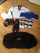 Martial arts uniform & sparring gear, complete set! XS / S in Naperville, Illinois