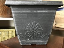 "7 1/2""x7 1/2"" Small Planter (plastic/black/silver) in Sugar Grove, Illinois"