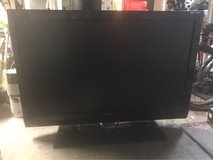 Philips 47PFL7422D/37 47 inch LCD HDTV in Travis AFB, California
