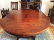 Broyhill Dinning Table (extendable) + 4 Chairs in Ramstein, Germany