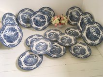 Beautiful dinner plate set Blue white Churchill  8 pers. in Ramstein, Germany