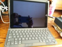 iPad with keyboard case combo in Kingwood, Texas