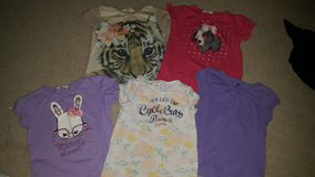 Girls H&M tops size 6-8 in Hemet, California
