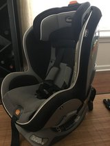 Chico nextfit convertible car seat in Chicago, Illinois