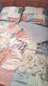 Queen Comforter Set in Lockport, Illinois