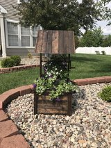 Wishing well planter in Morris, Illinois