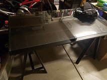 Craft table/Desk in Travis AFB, California