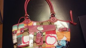 D & G PURSE W/ PHONE POUCH in Naperville, Illinois