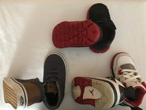 3 pair of Toddler shoes in bookoo, US