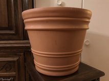 "12"" Planter (plastic) in Chicago, Illinois"