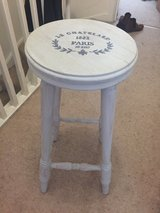 Shabby chic stool French script in bookoo, US