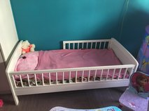 Toddler crib in Dover AFB, Delaware