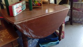 Oak Drop Leaf Table in New Lenox, Illinois