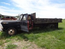 71 Ford F350- Dump Truck For Sale in Fort Campbell, Kentucky