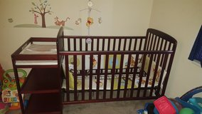 Crib & Changing Table Combo in Fort Benning, Georgia