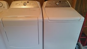 Whirlpool cabrio h e  washer and dryer set in Fort Rucker, Alabama