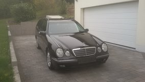 E200 station wagon AUTOMATIC, model 2002 in Ramstein, Germany