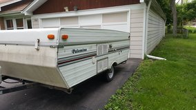 1999 polimino Pop up trailer in Naperville, Illinois