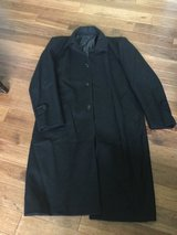 Men's Long coat- CREDIT CARDS ACCEPTED in Bolingbrook, Illinois