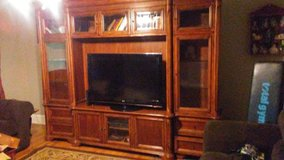 6 piece entertainment center in Perry, Georgia