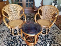 Swivel chairs & table in Belleville, Illinois