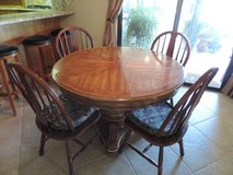 Dinning room table and chairs in Yucca Valley, California