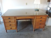 Very nice quality, big older desk, solid wood (oak?) in Yucca Valley, California