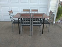 Modern Table w/ 6 Chairs in Fort Campbell, Kentucky