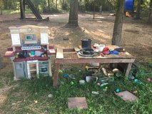 Mud Kitchen in Baytown, Texas